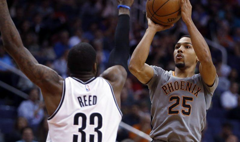 Nets vencen a Suns en duelo de equipos atribulados