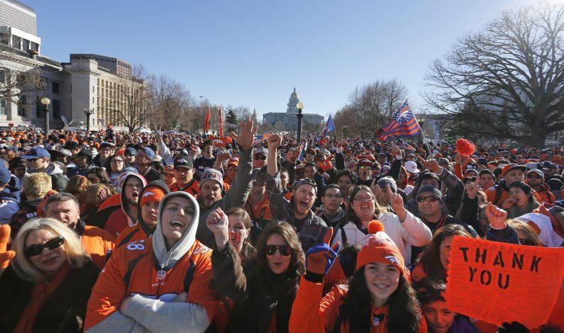 Denver festeja el campeonato de Super Bowl de los Broncos
