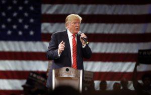 La campaña de Trump emitió un comentario en el que aclara que Senecal no ha trabajado desde hace muchos años para el magnate de los bienes raíces