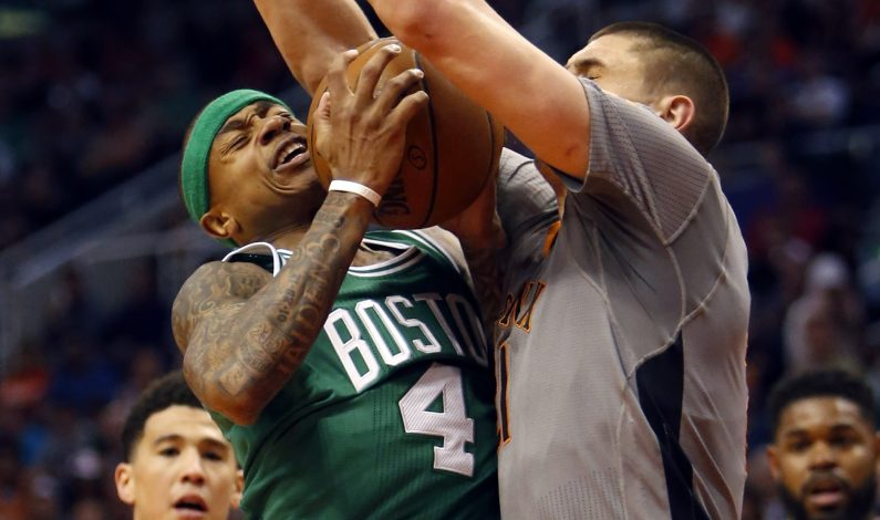 Thomas anota 28 y Celtics vencen a Suns