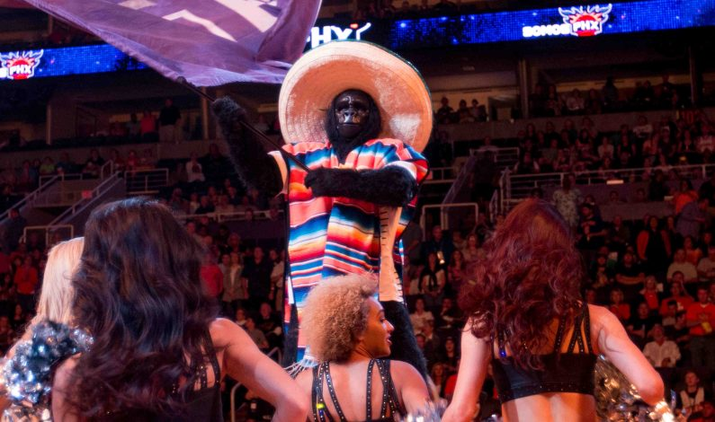Suns celebra su tradicional noche latina