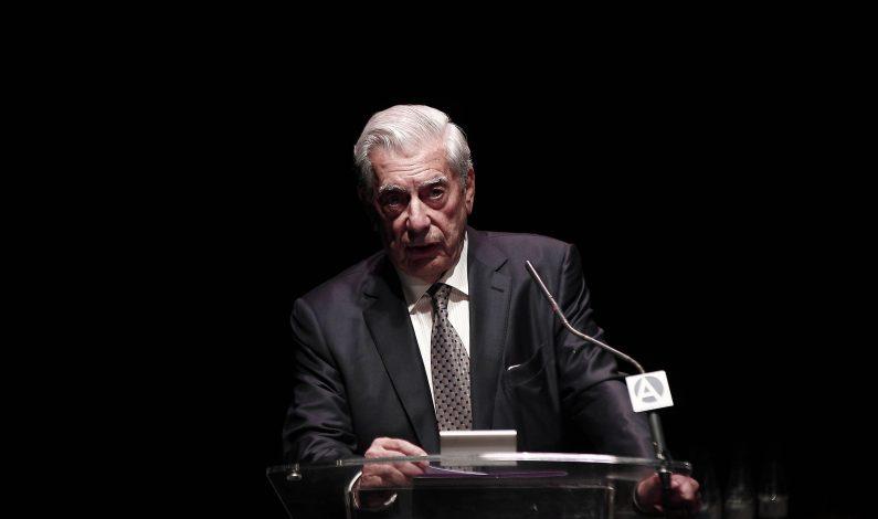 Vargas Llosa celebra 80 años sumándose al canon literario universal
