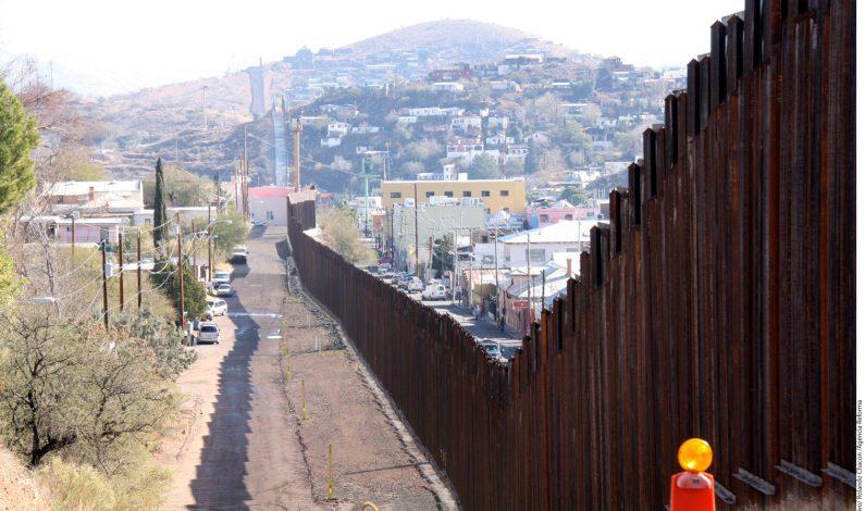 Graban a presuntos contrabandistas en la frontera