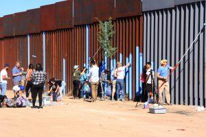 El evento se llevó a cabo en el muro que separa a Douglas, Arizona y Agua Prieta. Foto: Notimex