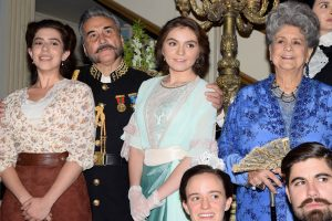Bárbara Singer, Eduardo Liñán, Sofía Castro y Queta Lavat, forman parte del elenco de esta serie de época que consta de 80 capítulos. Foto Mixed Voces