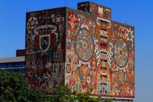60404084. México, 4 Abr2016 (Notimex- Guillermo Granados).- Construida por los arquitectos Juan O'Gorman, Gustavo Saavedra y Juan Martínez de Velasco, y adornado con un mural realizado por el primero, la Biblioteca Central de la UNAM, edificio emblemático de la máxima casa de estudios del país, cumple 60 años este 5 de abril. NOTIMEX/FOTO/GUILLERMO GRANADOS/GGV/HUM/