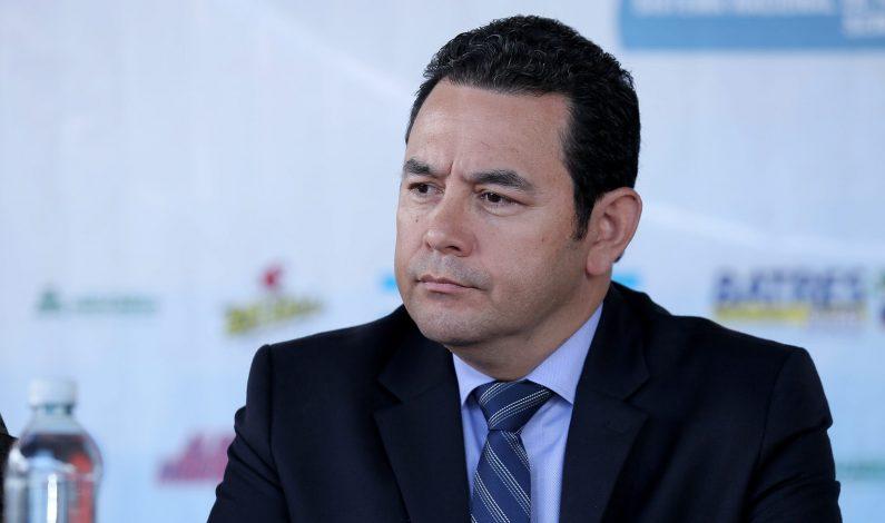 Presidente de Guatemala aclara sarcasmo sobre plan de muro de Trump