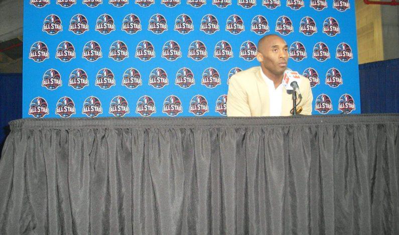 Rinden tributo a Kobe Bryant en su día de despedida