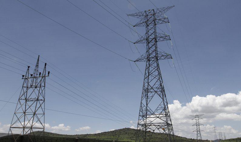 Autoridades atienden en frontera de Sonora electrificación a colonias