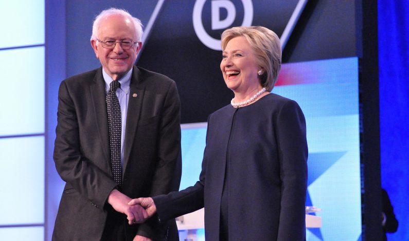Clinton y Sanders libran intenso debate en Nueva York
