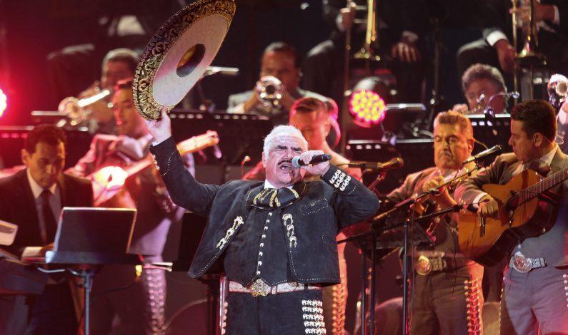 Vicente Fernández se retiró como los grandes en el Azteca