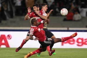 El técnico Miguel Herrera y sus pupilos se supieron eliminados desde la jornada pasada al caer contra Pumas. Foto: Notimex