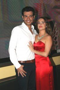 """Andrés Palacios y Danna García interpretan una de las historias de amor de """"Las Amazonas"""". Foto: Mixed Voces"""