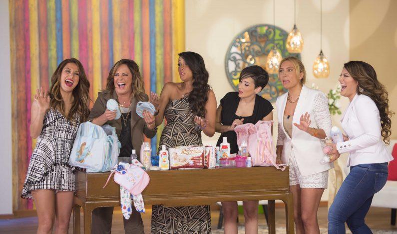 Cynthia Urías fue consentida con un Baby Shower en vivo