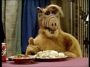 """""""Alf"""" fue uno de los personajes más famosos de la televisión en la década de los 80. Foto: Tomada de Twitter"""
