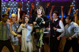 Con humildad, la actriz señala que está rodeada de grandes estrellas de la comedia musical. Foto Mixed Voces