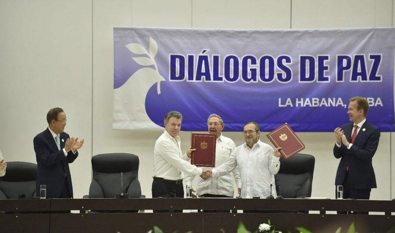 Gobierno y FARC de Colombia firman cese al fuego definitivo