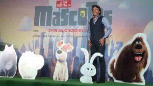 Eugenio presta su voz al conejo Snowball en la versión en español de la cinta %22La Vida Secreta de las Mascotas%22. Foto Cortesía