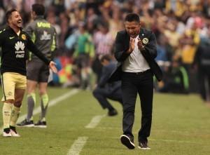 Ignacio Ambriz, técnico de las Aguilas del América. Foto: Notimex