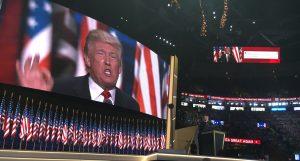60721171. Cleveland, 21 Jul 2016 (Notimex-José Lopez).- El empresario estadunidense Donald Trump asumió esta noche aquí de manera oficial la candidatura del Partido Republicano a la Presidencia de Estados Unidos, ante miles de delegados y simpatizantes en la Convención Nacional de su partido. NOTIMEX/FOTO/JOSÉ LOPEZ/COR/POL/