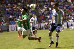 Antes del silbatazo final, los sudamericanos dieron muestra de desesperación ante el dominio mexicano