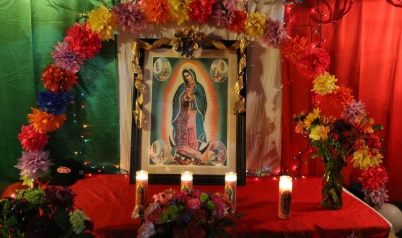 Veneran a la Virgen de Guadalupe familias del Valle